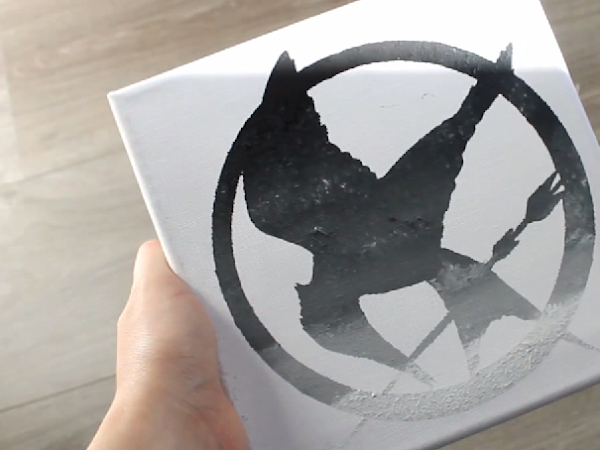 DIY Mockingjay Ombre Canvas Painting - Video!