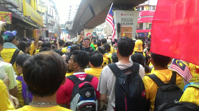 Bersih 4: crowd at Jalan Tun Perak made impossible to get near Dataran Merdeka