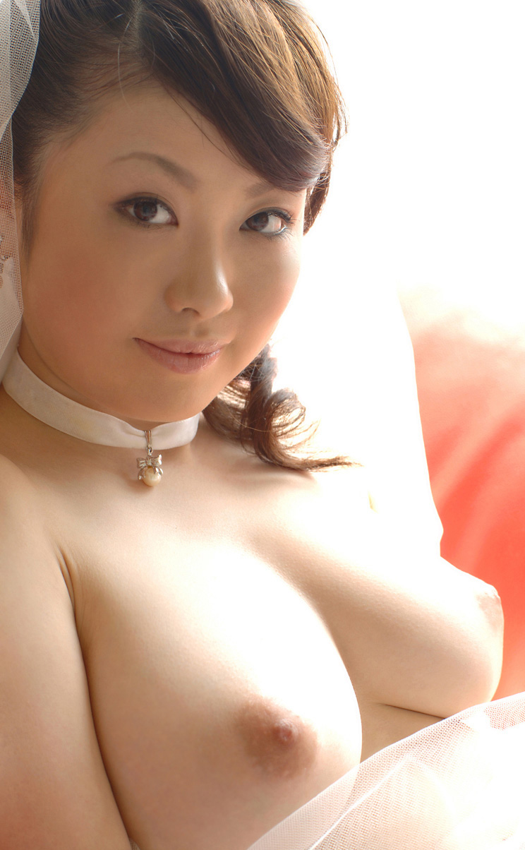 www.celebtiger.blogspot.com Busty Asian Rio nude 08 Busty Asian Babe Rio Hamasaki Going Nude In Bride Lingerie HQ Photos