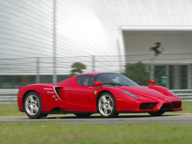 Gambar Mobil Sport Ferrari Enzo 25