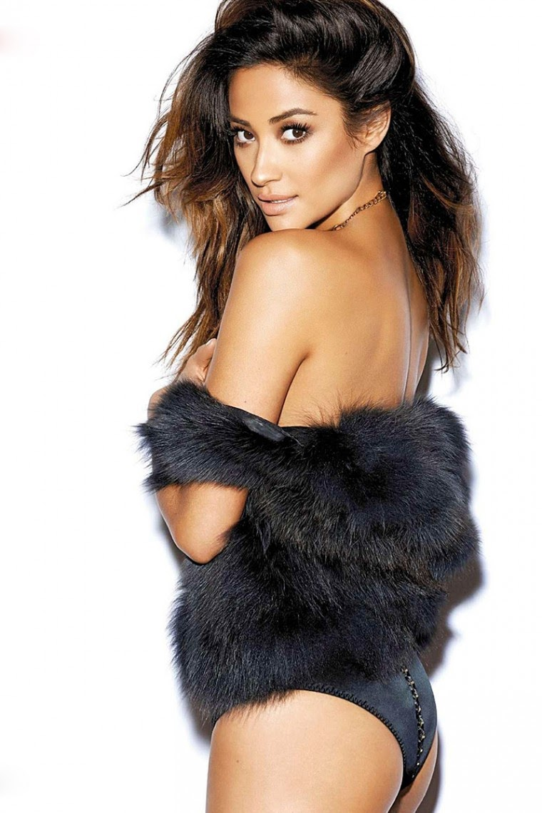 Shay Mitchell From Pretty Little Liars is Hot