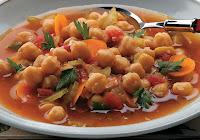 Sopa de Tomate com Grão-de-Bico (vegana)