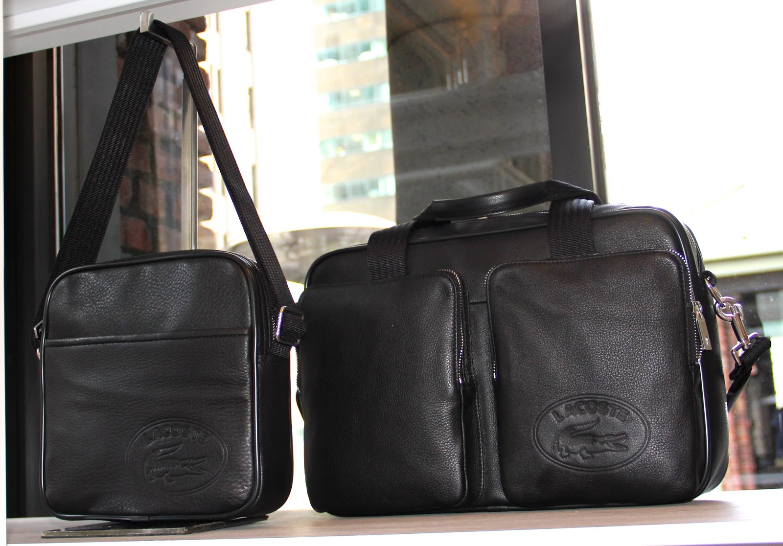 men's Classic Duffel and on left-reminds us of the classic camera bag shape.