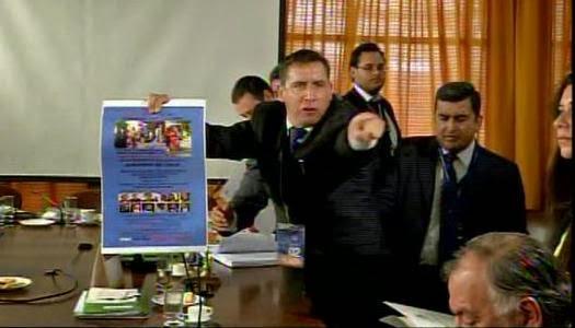 Pastor Javier Soto increpa a diputados chilenos