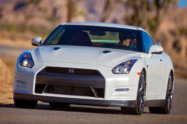 2015 New Nissan GT-R Review