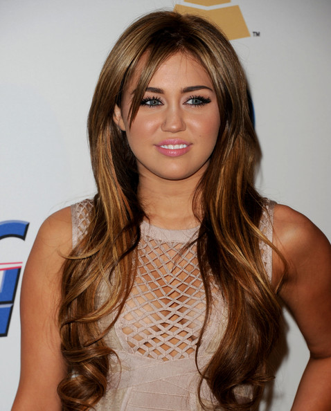 miley cyrus 2011 fat. Miley Cyrus looking like her