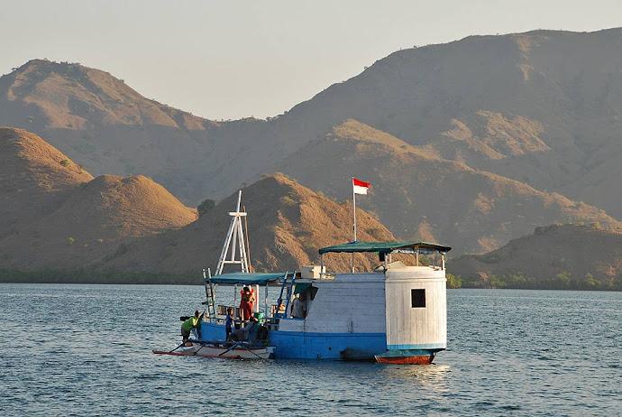 Barco en una bahía