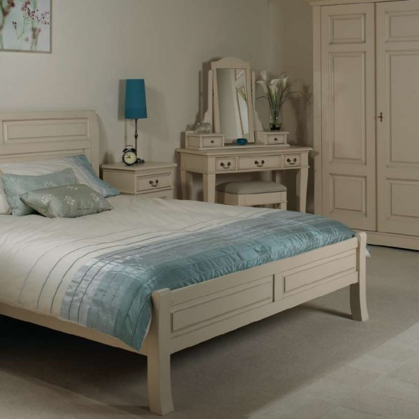 Origin Red Country House Bedroom Furniture