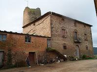 La masia la Torre amb la Torre Segimona