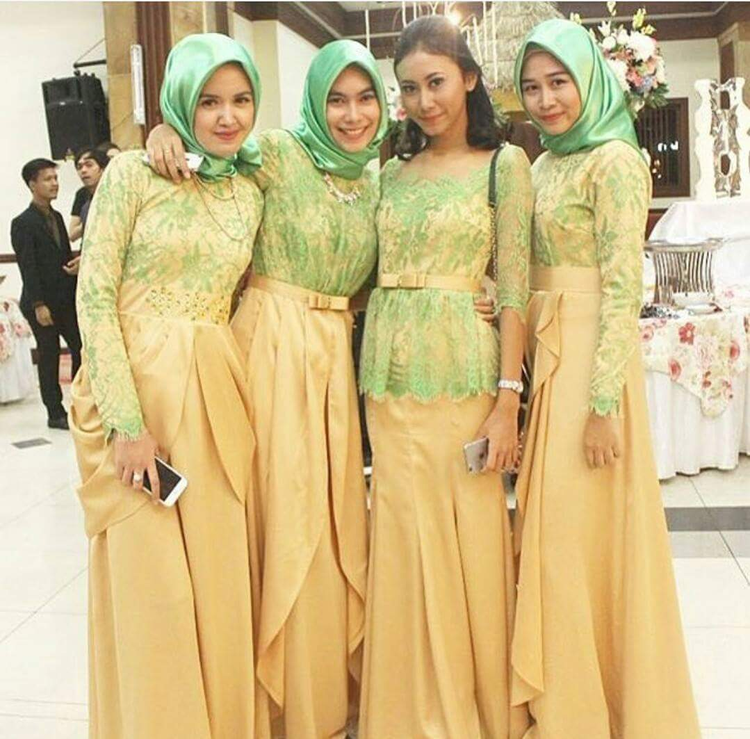 Model Kebaya Seragam Muslimah Trend 2018 Pernikahan Acara Keluarga Pesta  Resmi 7d1a7942ec