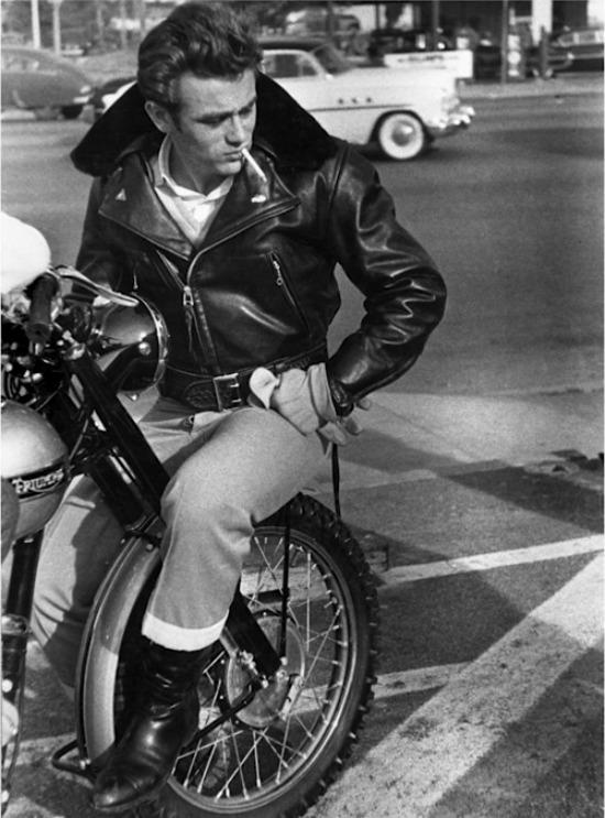 James Dean cuero moto