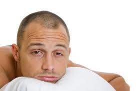 Evita que el dolor de estomago te impida dormir