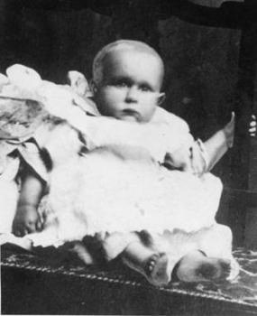 Scientifico Researcho The Unknown Titanic Child