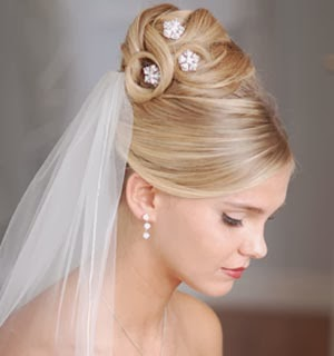 penteados-para-casamento-cabelos-longos-lisos-7