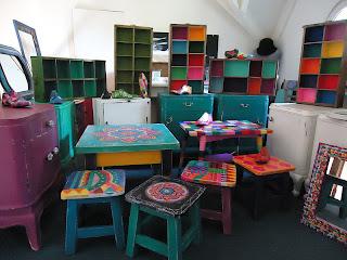 Vintouch muebles reciclados pintados a mano octubre 2011 - Disenos muebles pintados ...