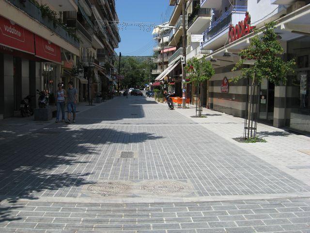 Άφωνοι οι Εδεσσαίοι όταν είδαν να πεζοδρομούν και τον κεντρικό δρόμο, την οδό Δημοκρατίας