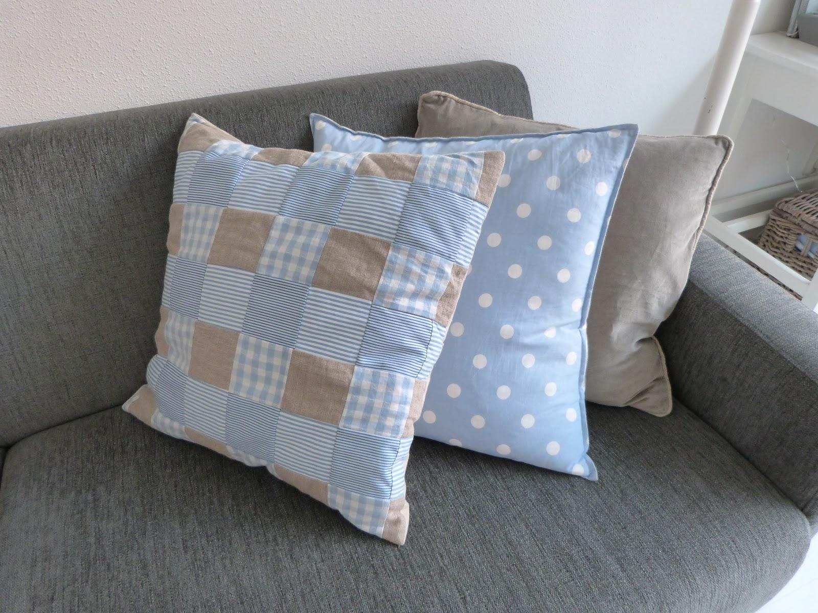 Woonkamer Kussens : Twee kussens heb ik gemaakt van kleine vierkante ...