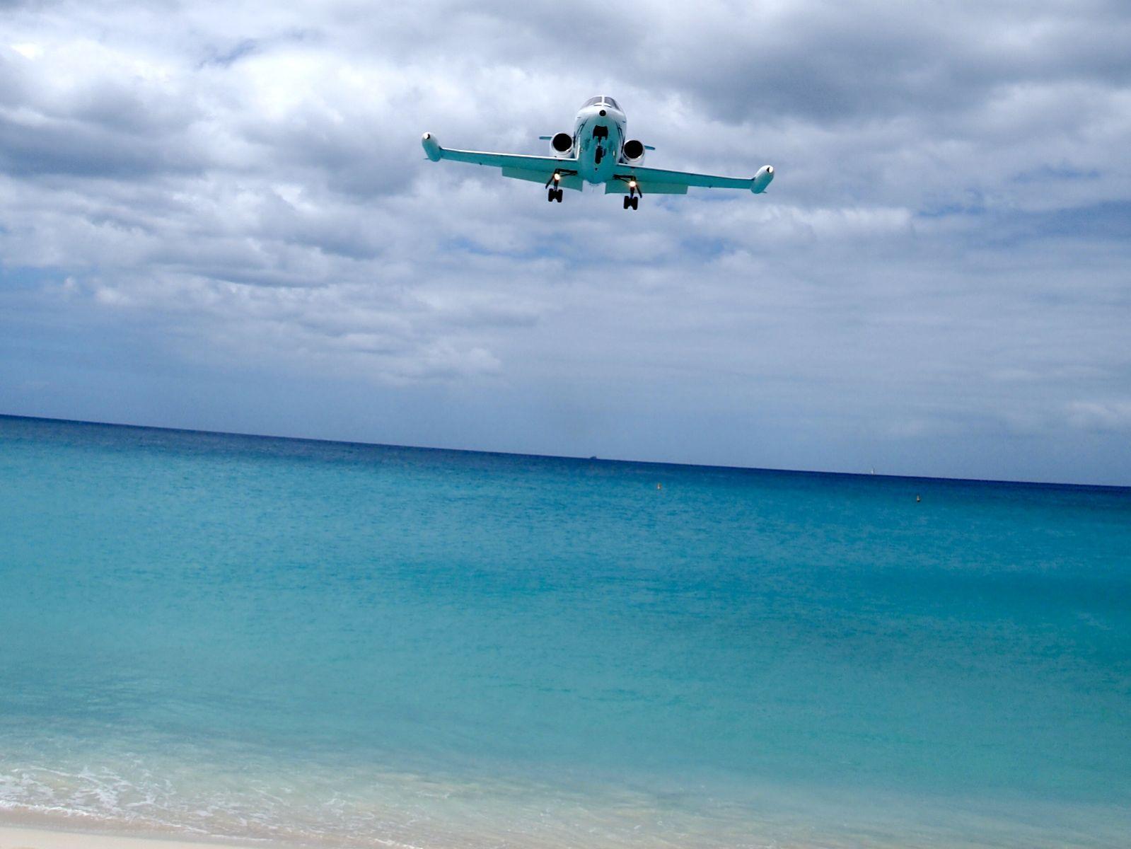 http://4.bp.blogspot.com/-r_8C8n-_pUw/T9iyCcAlhuI/AAAAAAAADbM/oV_xVXxmHDw/s1600/Avion+vue+de+face.jpg