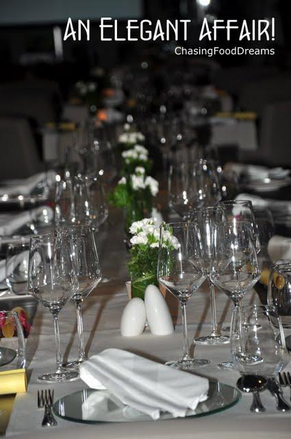 Elegant Table Cloths Dining Room