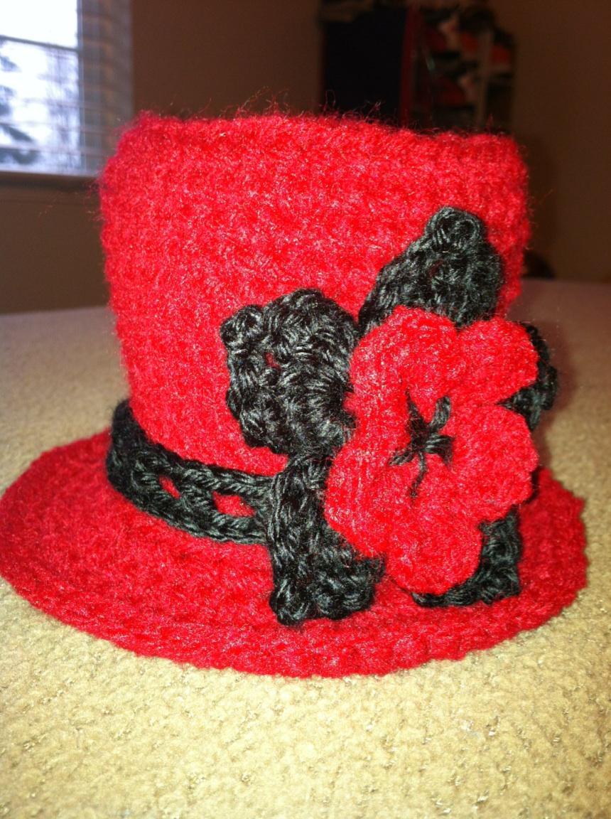 What I\'m Making: Crochet mini top hat!