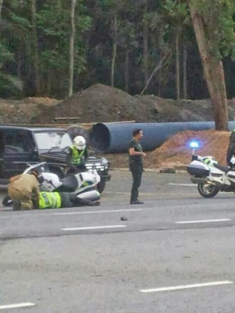 Sultan Brunei Kawal Jalan Raya Ketika Berlaku Kemalangan