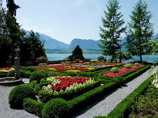 imagen de un  jardin hermoso