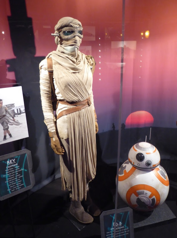 Daisy Ridley Star Wars Force Awakens Rey costume