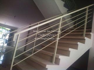 Jasa pembuatan railing tangga murah surabaya sidoarjo, indonesia.