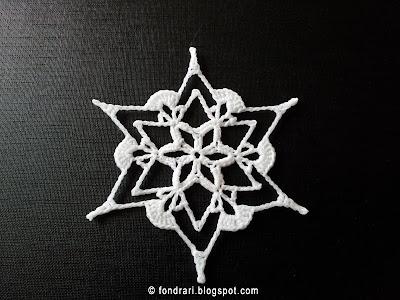 Heklað snjókorn Stand Out Snowflake