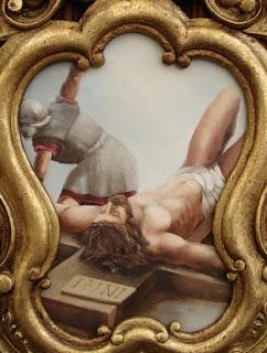 Cartola pintada de la Crucifixión por Adela Pérez Piñó. Trono de Nuestro Padre Jesús de la Humillación y Paciencia. Real cofradía de Minerva y Vera Cruz. Foto G. Márquez.