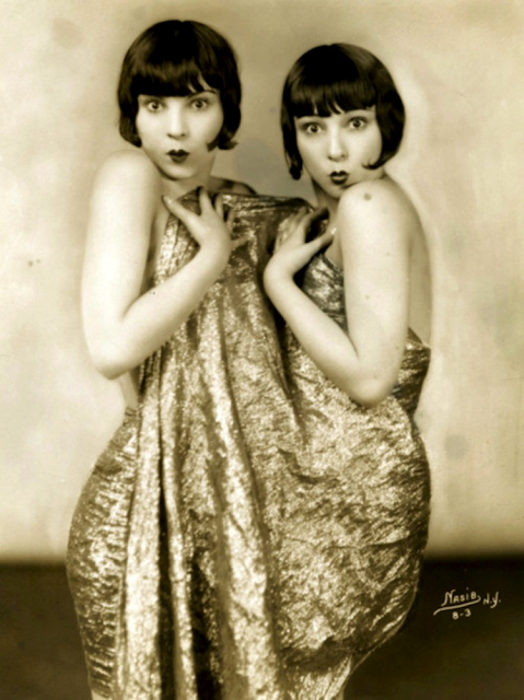 Pearl Sisters #antique #vintage #photo #1920s #sisters