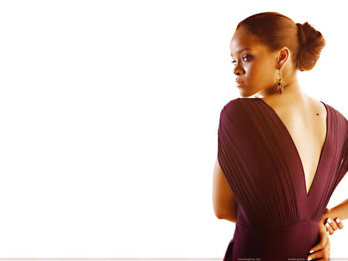 Rihanna HD Desktop Wallpaper -05