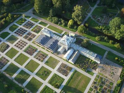 Kauno botanikos sodas is virsaus