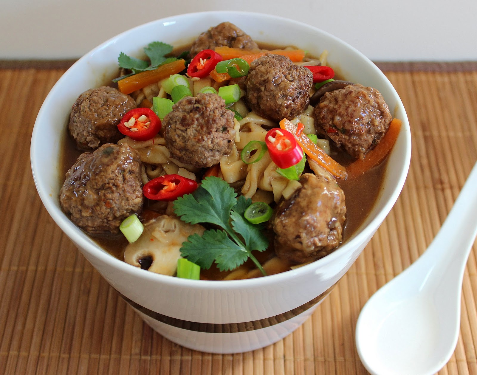 How to make a meatball soup (step by step recipe). Soup with meatballs and noodles, with rice