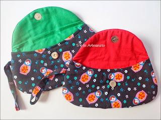 bolsa cluth confeccionada em tecido de matrioska