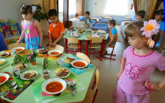 Нужно ли есть горячую еду ребенку