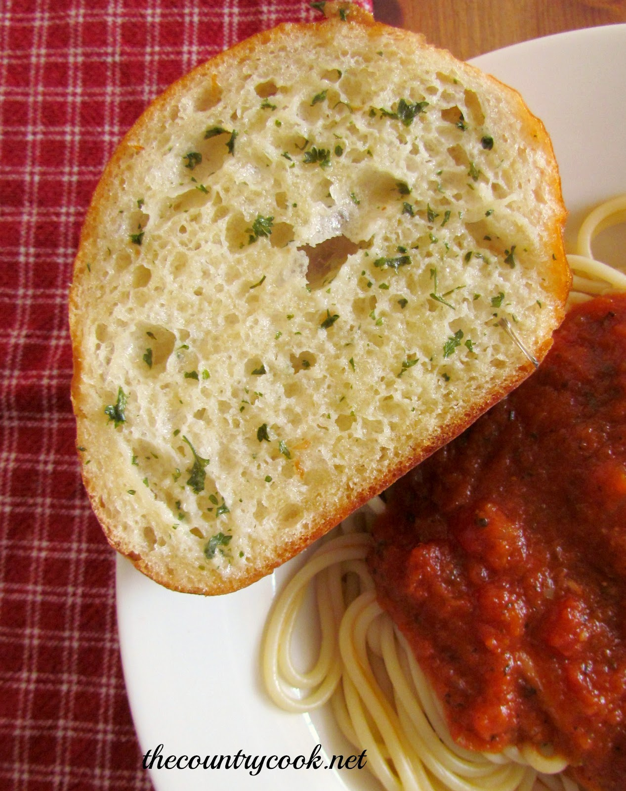 Easy Garlic Bread - The Country Cook