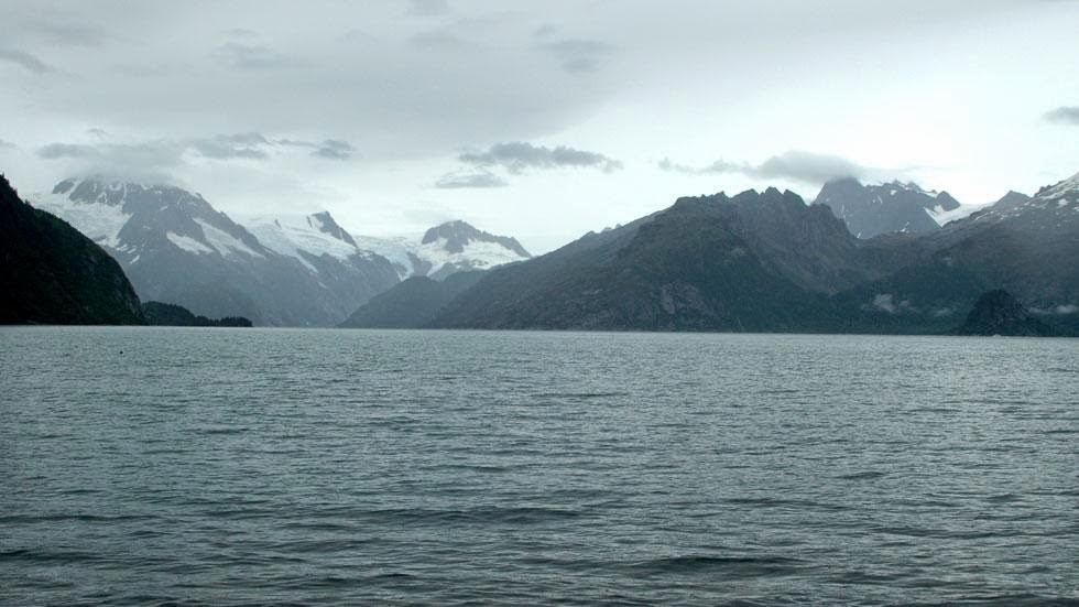 Las huellas del cambio climático en Alaska durante más de 100 años Northwestern+Glacier+(2005)+-+This+is+Alaska's+Muir+Glacier+&+Inlet+in+1895.+Get+Ready+to+Be+Shocked+When+You+See+What+it+Looks+Like+Now.
