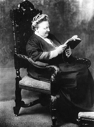 symbolism in patterns by amy lowell The history of symbolism 1886-1961), william carlos williams (1883-1963) and amy lowell documents similar to symbolism: the literary movement.