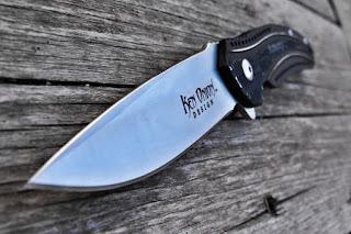 macro knife blade photography wood grain photoshop photo enhancements