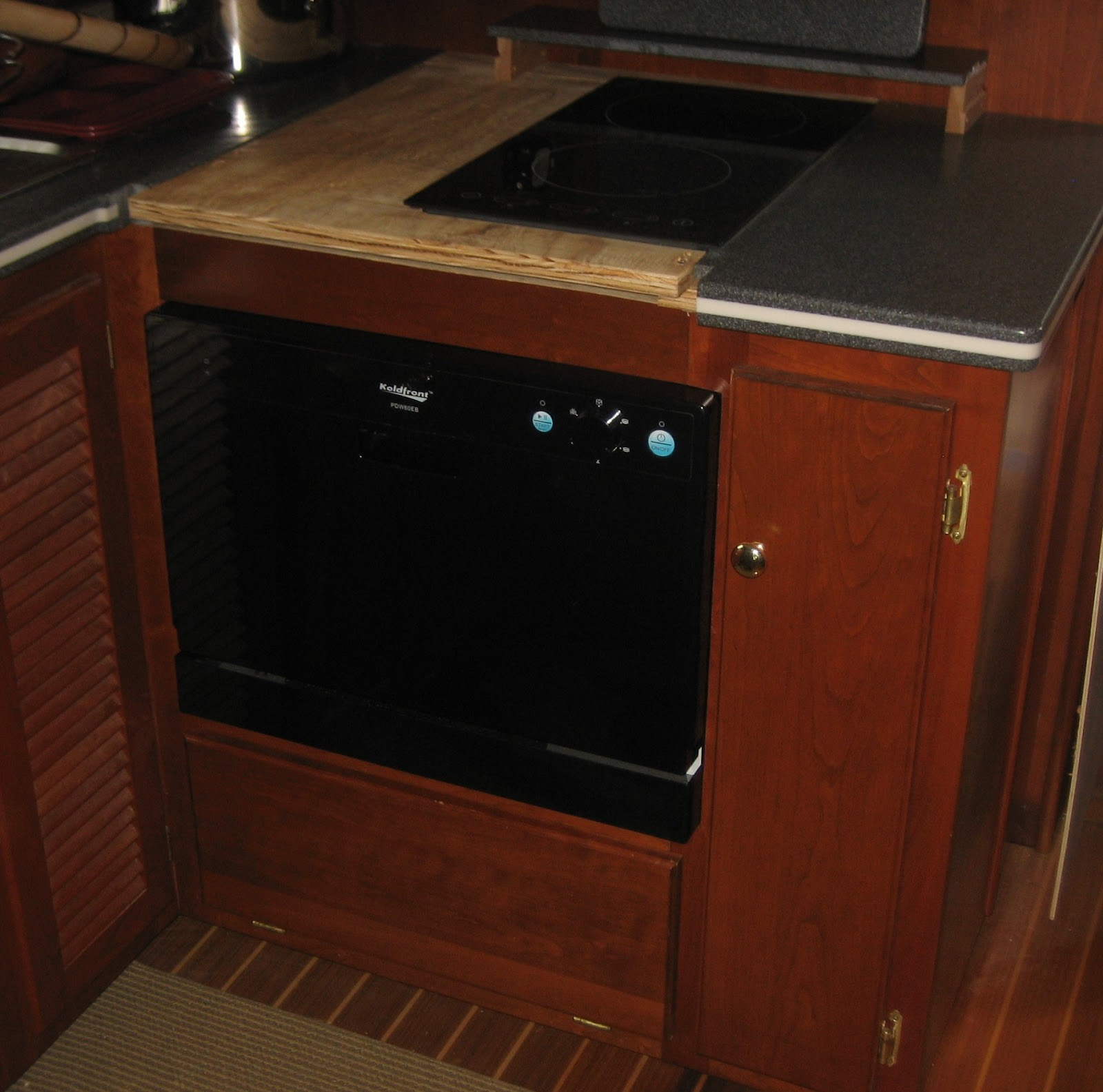 Countertop Dishwasher Plumbing : It looks a lot bigger on the countertop, as designed.