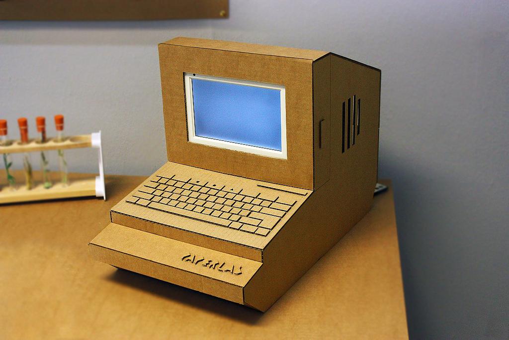Как из картона сделать игрушечный компьютер своими руками