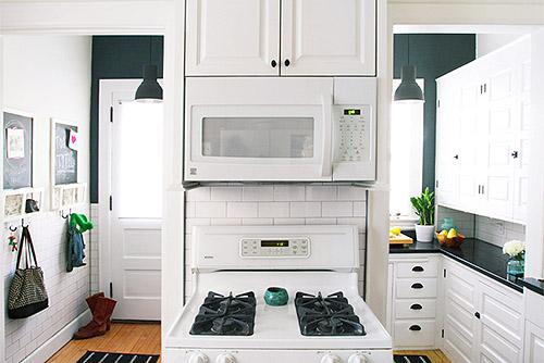 Pintado en color blanco de los muebles de cocina