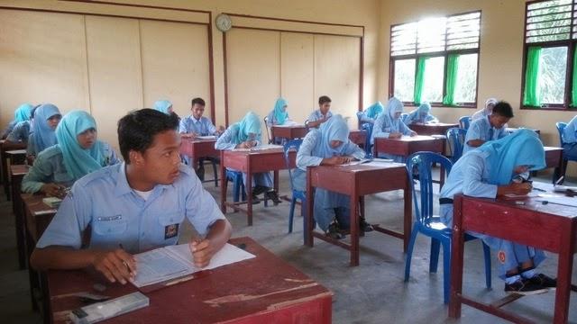 Hari pertama Ujian Nasional di SMK Negeri 2 Tambusai Utara 2