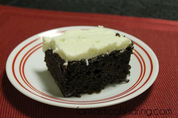 Bakery Copycat Chocolate Fudge Cake - tastes just like something you'd get from the bakery! #dessert