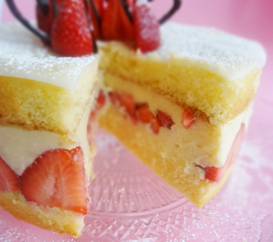 pensla tårtbotten med sockerlag