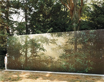 托马斯·迪尔's 'Clearing' | Venice Biennale Display, Image courtesy 托马斯·迪尔 _Clearing_ 1 _ in.pinterest.com