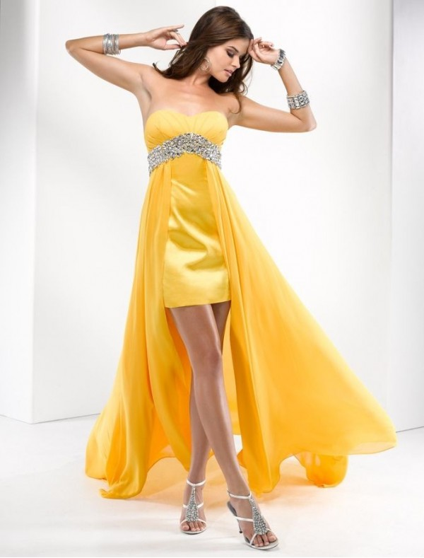 Short Ruffled Bodice And Waist Elegant Strapless Homecoming Dress With