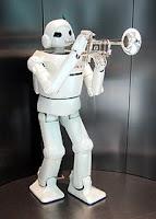 robô que toca