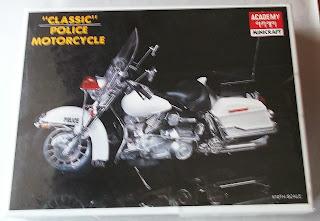 Harley Police Motorcycle model kit 1/10 scale sealed MIB